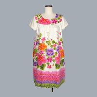 Vintage 1960s MuuMuu Dress Floral Print Made in Hawaii by Ui-Maikai