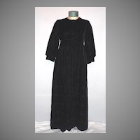Vintage 1960s Black Velvet Opera Coat Empire Waist