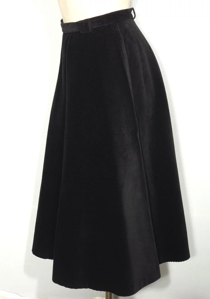 Vintage 1950s Koret of California Circle Skirt Black ... | 719 x 1024 jpeg 53kB