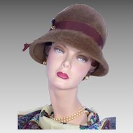 Vintage 1960s Brown Fur Felt Flowerpot Style Hat With Hatpin