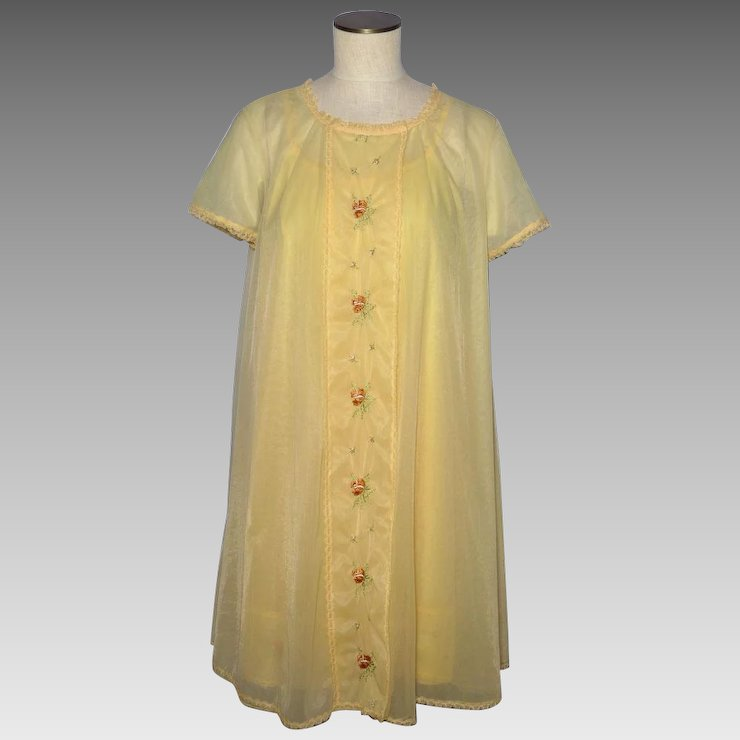 Vintage 1960s Vanity Fair Yellow Nightgown and Robe Peignoir Set ...