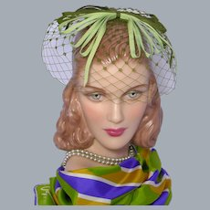 Vintage 1960s Green Whimsy Hat Ribbon Bows