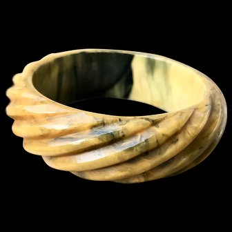 Deeply Carved Marbled Caramel and Green Swirled Bakelite Bangle