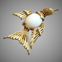 Vintage Goldtone Flying Bird with Lucite Belly Pin Brooch, Benedikt N.Y.