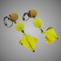 Vintage 1960s Dangling Yellow and Butterscotch Lucite & Plastic Clip Earrings
