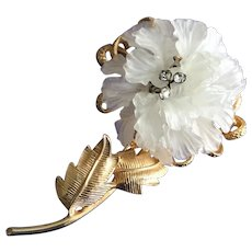 Castlecliff Vintage Large Molded Plastic Flower pin Brooch with Rhinestone Stamen