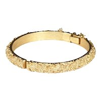 Vintage Crown Trifari Hinged Bangle Bracelet – Gold Tone Pebbled Surface – early 1950s