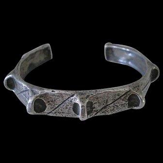 DYNAMIC Mid-Century Studio Modernist Hand-forged .925 Silver Brutalist SPIKY CUFF BRACELET ~ 25 Grams