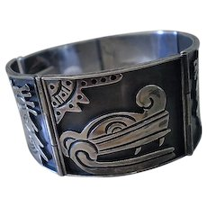 SPLENDID Mid-century 1950s Mexican Handwrought .925 Silver Large Iconic AZTEC GLYPH Hinged Panel Bracelet ~ 59 Grams