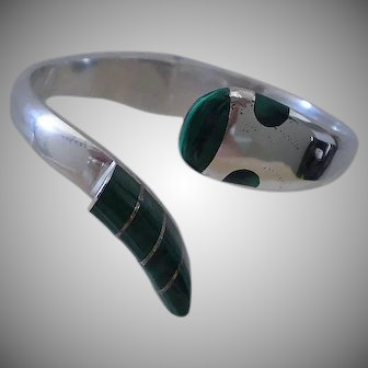 STRIKING! Handcrafted TAXCO Mexico 1980s Wearable Art Malachite .950 Silver Hinged RATTLESNAKE CLAMPER Bypass Bracelet ~ 49 Grams
