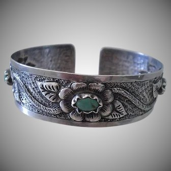 GORGEOUS Pre-Eagle 1940's Mexican Handwrought Repoussé Silver Botanical CUFF BRACELET with Turquoise Resin Cabochons ~ 24 Grams