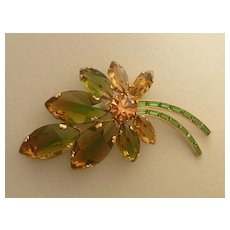 Vintage costume leaf brooch