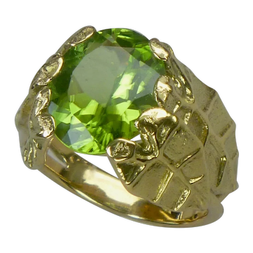 Jungle leaf ring, 18k gold and peridot