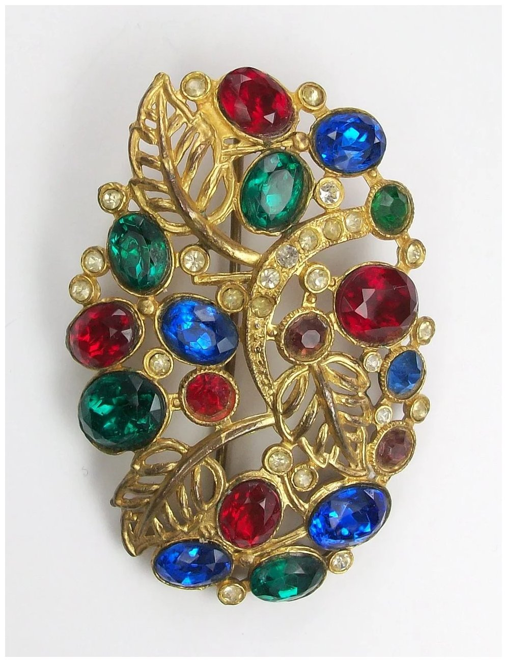 what is a brooch jewelry
