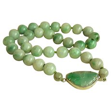 """Stunning Vintage GRADE A  Large Jadeite Jade Beads Sterling Butterfly Clasp Necklace 18"""" 113.8 g Heavy"""