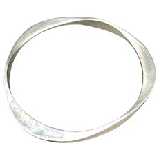 Sterling Silver Los Martillados Hammered Bangle By: James Avery