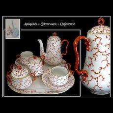 """Porcelain Service 8Pieces """"Déjeuner"""" Head to Head Decor  Coral """"Koralle"""" Berlin, KPM, c. 1849-1870."""