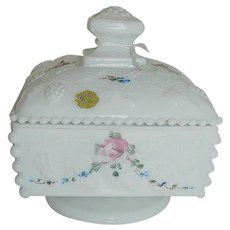 Vintage Westmoreland low covered Candy Dish signed and with original Paper Label