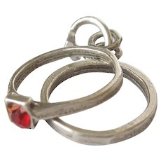 Vintage 1940s Charm - Wedding and Engagement Ring Set with Ruby-red Stone