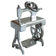 Old-fashioned Treadle-Wheel Sewing Machine Sterling Silver Charm - Mechanical / Moving