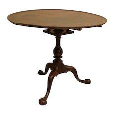 Philadelphia Chippendale Walnut Dish-top Tea Table