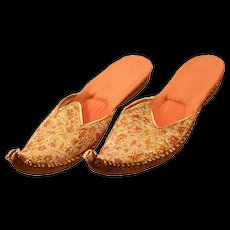 Exotic Vintage Hand-Embroidered Leather-Soled Mojari Slippers