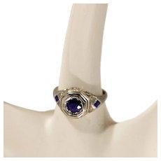 Gorgeous Vintage 18 Karat White Gold & Sapphires Ring