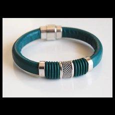Teal Green Licorice Leather And Green O ring Bracelet- Bangle bracelet- - Cuff Bracelets