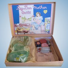 """Vintage"""" VERY RARE""""  1930's Effanbee Dy-De doll Mother Outfit- Accessories & Box"""