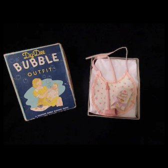 "Vintage""RARE"" Effanbee Dy-Dee Doll Bubble Set- Wooden pipe, soap & Bib- The cup and cardboard insert is missing"