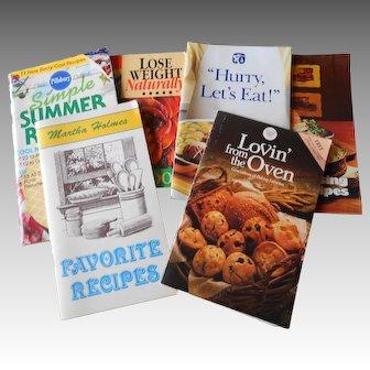 Assortment of Older Recipe Books