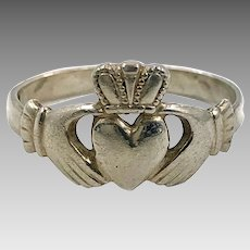 Claddagh Ring, Sterling Silver, Size 8, Vintage Ring, Irish Jewelry, Celtic Ring, 925, Irish Wedding, Heart, Crown, Hands