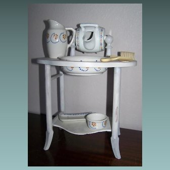 Toilette French Table Stand With Accessories