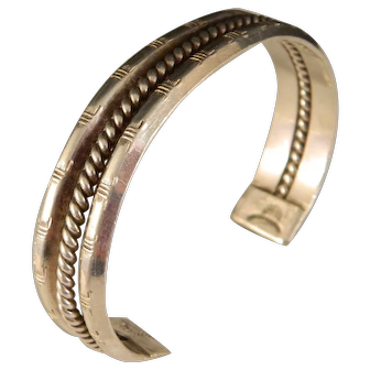 Vintage Classic Sterling Navajo Cuff Bracelet Hand stamped Ridges with Rope Twist Center