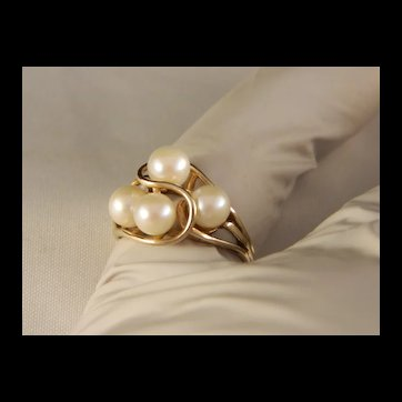 Vintage Genuine Pearl 10 K Yellow Gold Ring