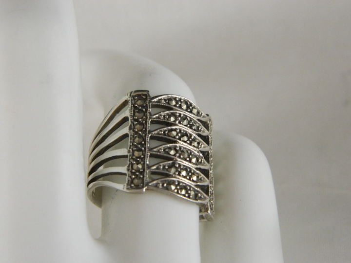 Vintage Sterling Silver Marcasite ring size 7