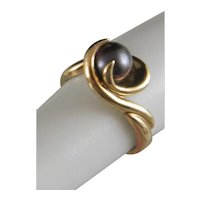 Estate 10 K Yellow Gold And Black Pearl Ring Size 5 1/2