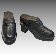 Antique Leather Wood Doll Shoes with Original Cobbler Wood Shoe Forms Lasts Salesman Sample