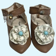 Nice Brown Leather Blue Rosettes Pointy Toe Artist Doll Shoes