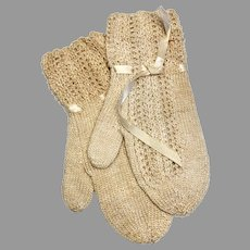 Adorable Vintage Knit Doll Size Mittens