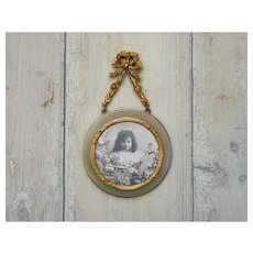 Antique French wall-hanging photo frame - picture medallion