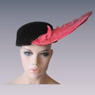 Italian Avant Garde Womens Hat Vintage 1940s Black Velour Red Bird Wing Feather