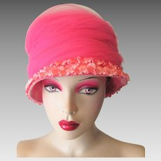 Vintage 1960s Pink Straw Tulle Cloche Hat