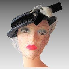 Vintage 1940s Straw Hat Navy Blue Veil Velvet Band Feathers