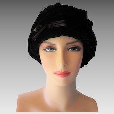 Black Velvet Beehive Hat Vintage 1960s Womens Chapeaux