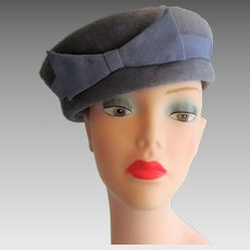 Womens Pillbox Hat Vintage 1950s Periwinkle Blue Wool Felt Bow Italian