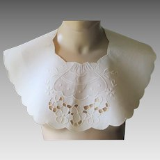 White Collar Vintage 1930s Cotton Cutwork Embroidery