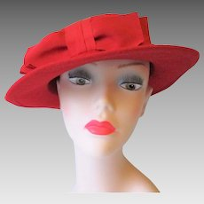 Red Hat Vintage 1960s Wool Felt Bow Betmar