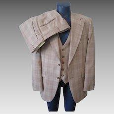 Mens Johnny Carson Plaid Suit Vintage 1970s Tan Jacket Vest Pants 3 Piece
