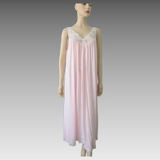 Vintage 1970s Pink Miss Elaine Nightgown Nylon Full Sweep Maxi Lace